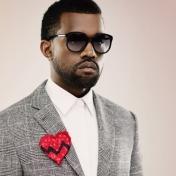 Kanye West no sonríe en las fotos porque es de tolis