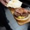 detalle de las hamburguesas gourmet del steak 'n shake