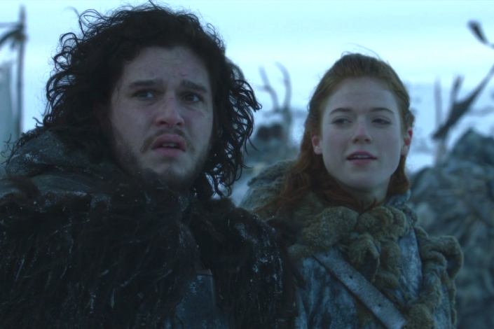 ¿Quién te pone la pierna encima Jon Snow?