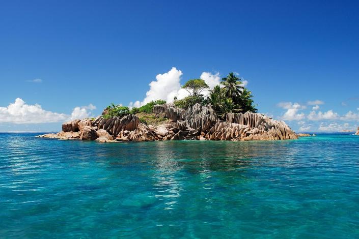 Image result for una isla