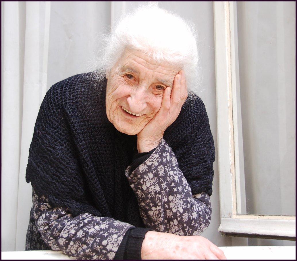 Abuelas Maduras me niego a ser una vieja pelleja   glup-glup