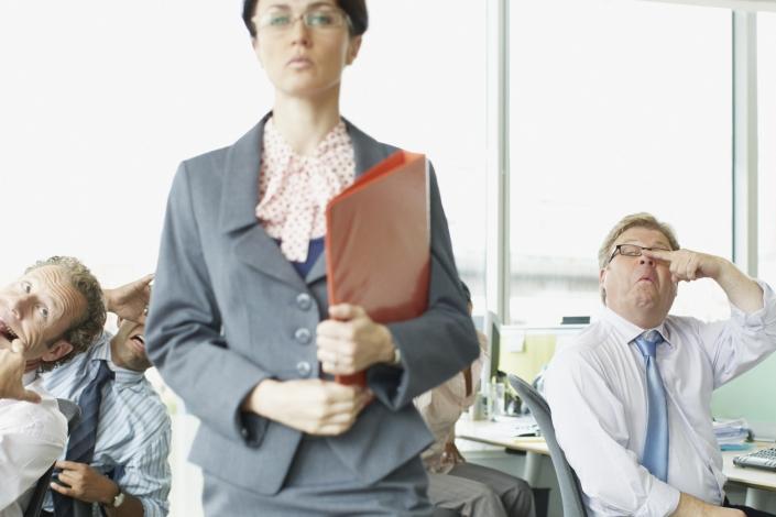El trabajo os hará libres… o no