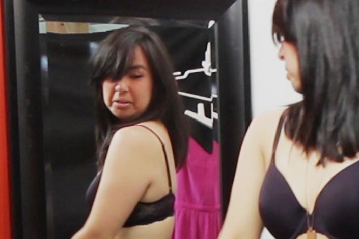 El infierno de probarse ropa en una tienda