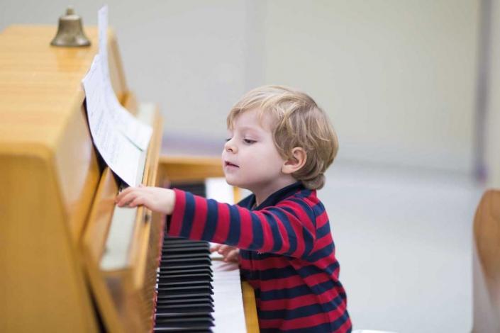 Todo lo que puede hacer la música por tus hijos